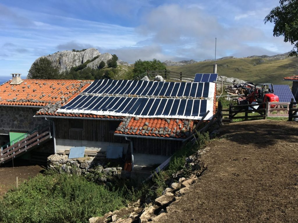 Bache photovoltaïque transportable